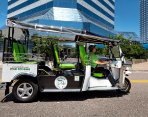Veículo aberto riquixá mobilidade segura e sustentável