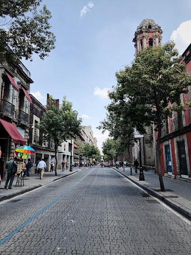A mobilidade urbana e as características arquitetônicas da Cidade do México favorecem o placemaking. (Fonte: Jesus Mora/Unsplash/Reprodução)