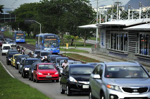 O projeto facilitará o acesso de milhares de pessoas de baixa renda ao transporte urbano. (Fonte: T photography/Shutterstock/Reprodução)
