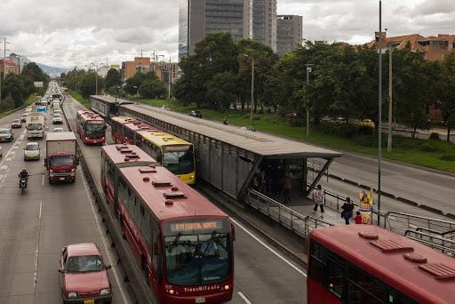 Bogotá (Colômbia) foi uma das cidades a implantar o BRT. (Fonte:hinterhof/Shutterstock/Reprodução)