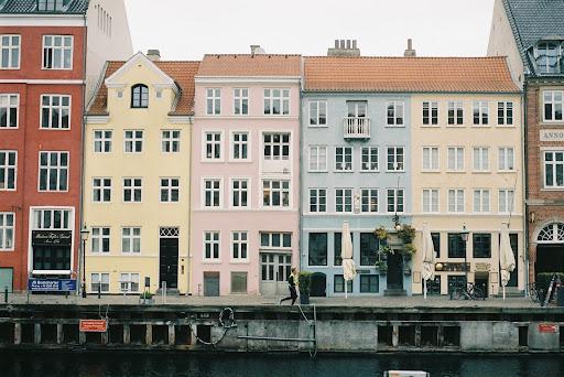 Imagem do centro de Copenhague, cidade destaque no SCI 2021. (Unsplash/Reprodução)