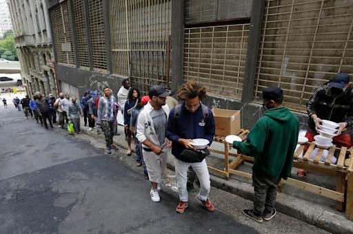 A fome atingiu 19 milhões de brasileiros em 2020, segundo Inquérito Nacional sobre Insegurança Alimentar no Contexto da Pandemia. (Fonte: Shutterstock/Nelson Antoine/Reprodução)