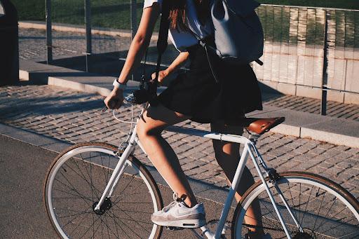 O número de ciclistas também aumentou significativamente durante a pandemia provocada pelo novo coronavírus. (Unsplash/Reprodução)